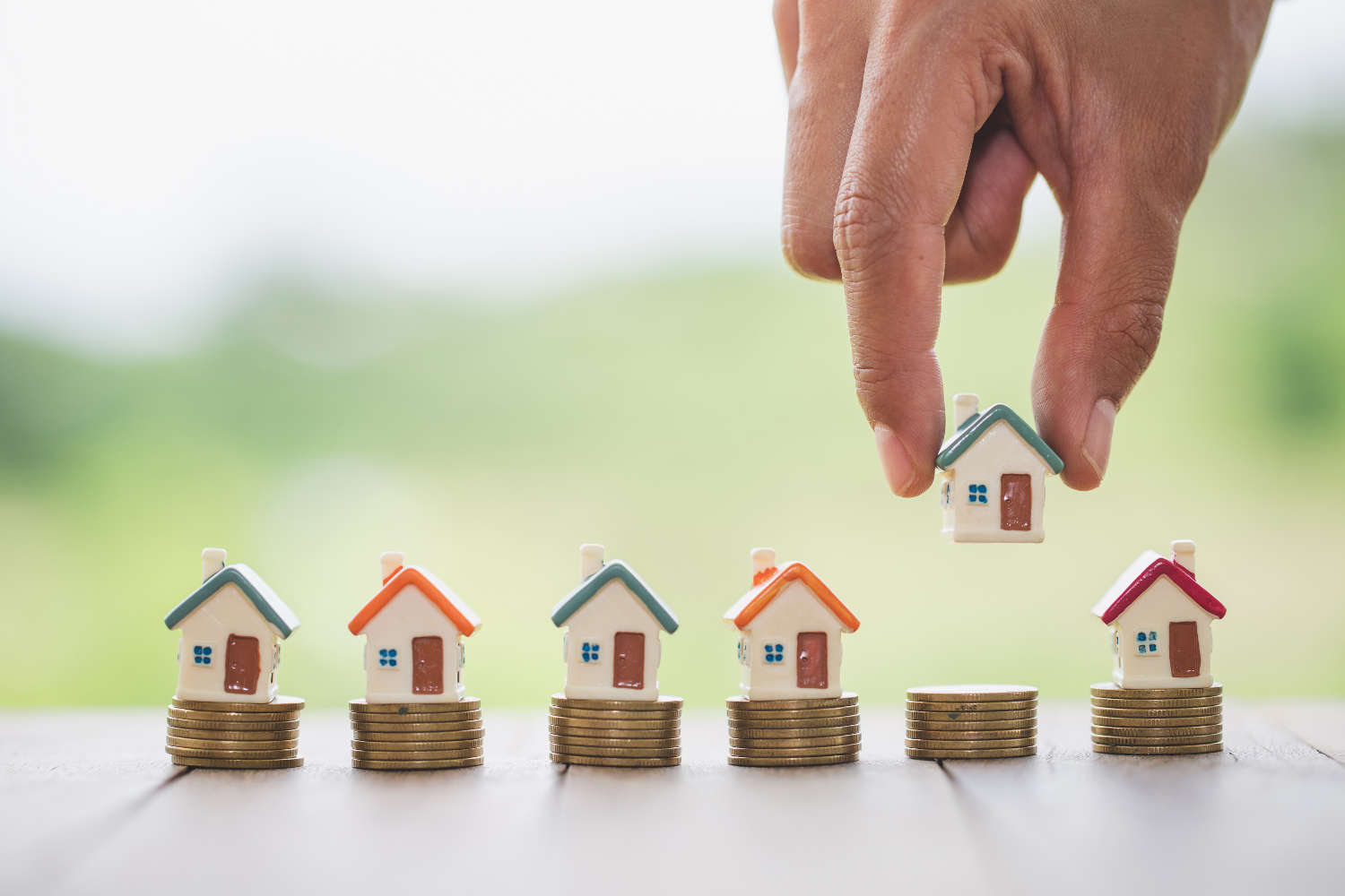 Know tax and fee before buy and sell property